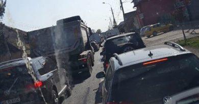 Accident fără victime, circulație îngreunată la intrarea în Tîrgu Mureș
