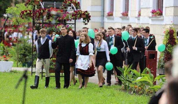 Prima serie de absolvenți ai Liceului Teologic Romano-Catolic