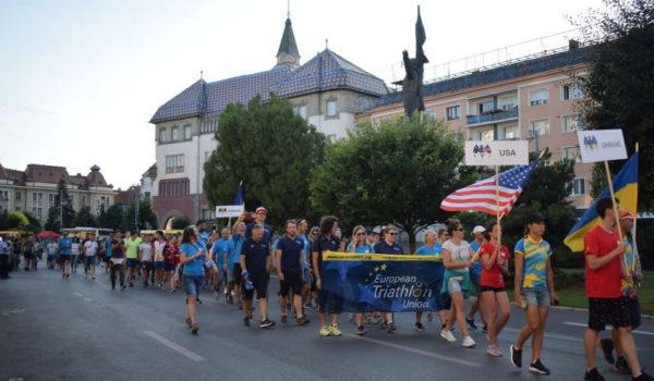 Peste 40 de ţări, la Parada Naţiunilor din deschiderea Campionatelor Europene de triatlon multisport de la Târgu Mureş