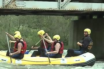 Raftingul câştigă tot mai mult teren printre tineri pe Mureș