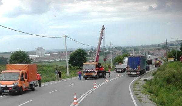 Se montează parapeți de beton