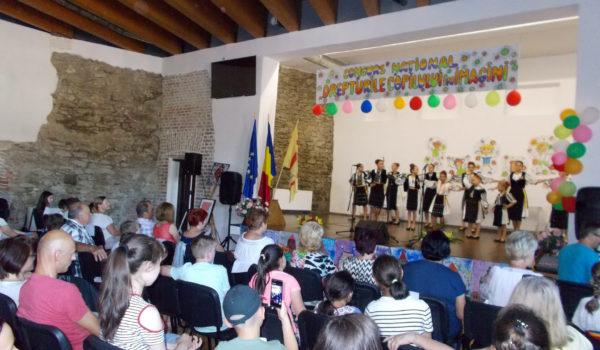 """Trei sighișorence la concursul național """"Drepturile copilului în imagini"""""""