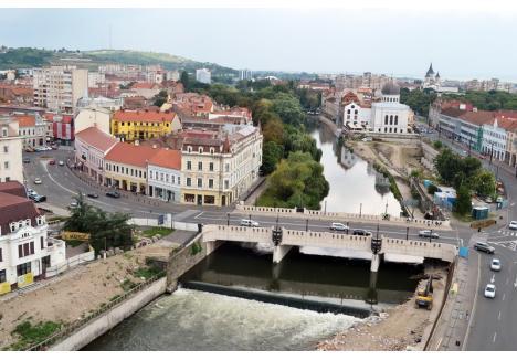 Idei pentru Mureș: Primăria Oradea vrea clădiri mari şi moderne de birouri în centru pentru a atrage IT-iştii
