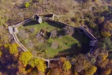 Cetatea Saschiz din Mureş intră în renovare. Autorităţile au obţinut fonduri europene din care vor reconstrui totul