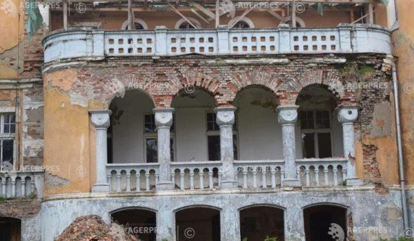 Castelul din Zau de Câmpie are nevoie de 1 milion de euro pentru restaurare
