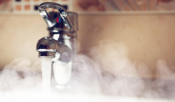 5 metode de a obtine apa calda la casa de la tara