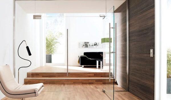 Ușa de sticlă – modelul potrivit atât pentru apartament, cât și pentru casă