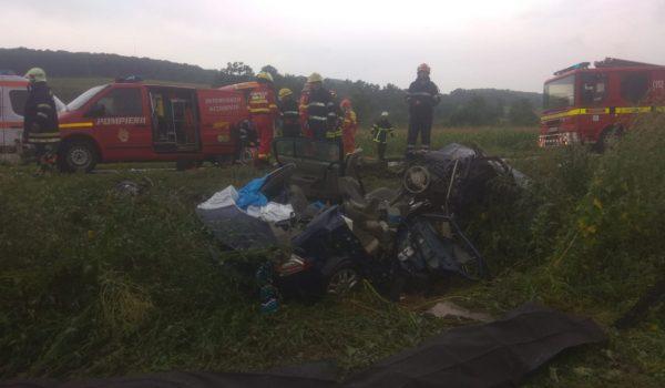 Doi morţi şi trei răniţi, printre care un copil, în urma accidentului de la Rupea