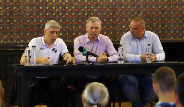 Se lucrează la  întocmirea documentației  pentru o nouă bază sportivă  la Târgu Mureș