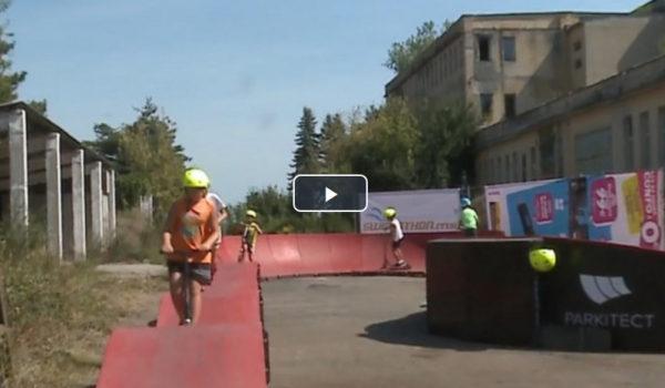 Pumptrack, pista modulară de la Târgu-Mureş, noua senzaţie printre tineri