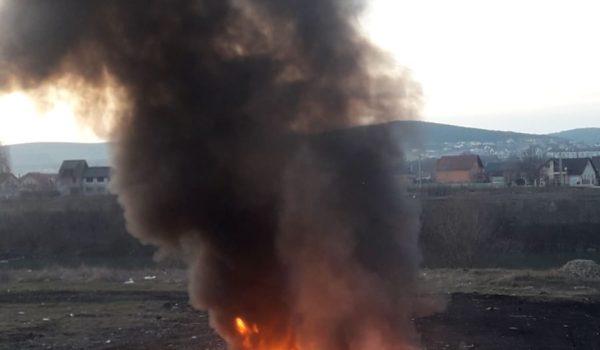Incendiu pe strada Barajului!