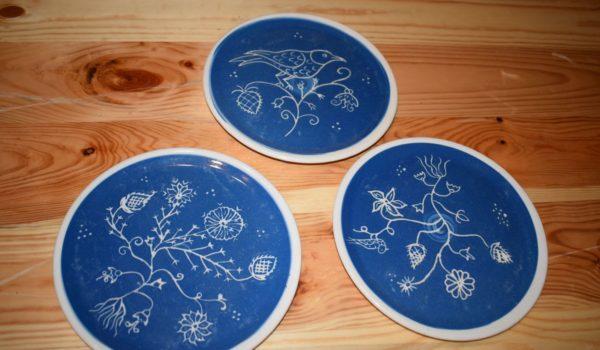 Ceramica albastră de Saschiz, la Casa de parfumuri Fragonard din Franța