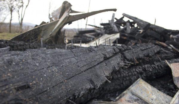 Suspect, reținut pentru incendierea clopotniței din Idrifaia