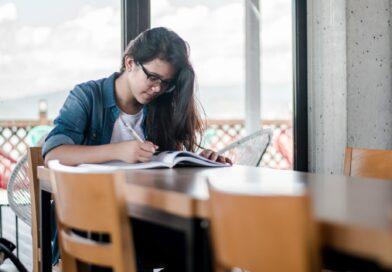 Cinci motive pentru care învățarea unei limbi străine vă ajută pe piața muncii